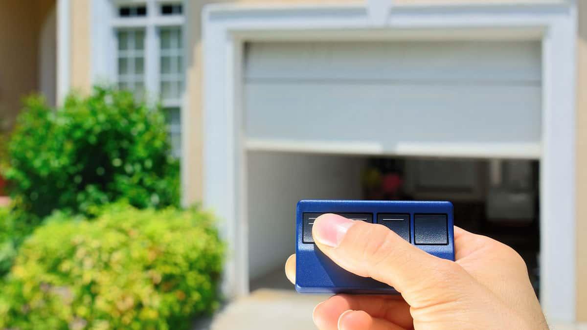 Garage-Door-Opener-Questions-Tampa-FL