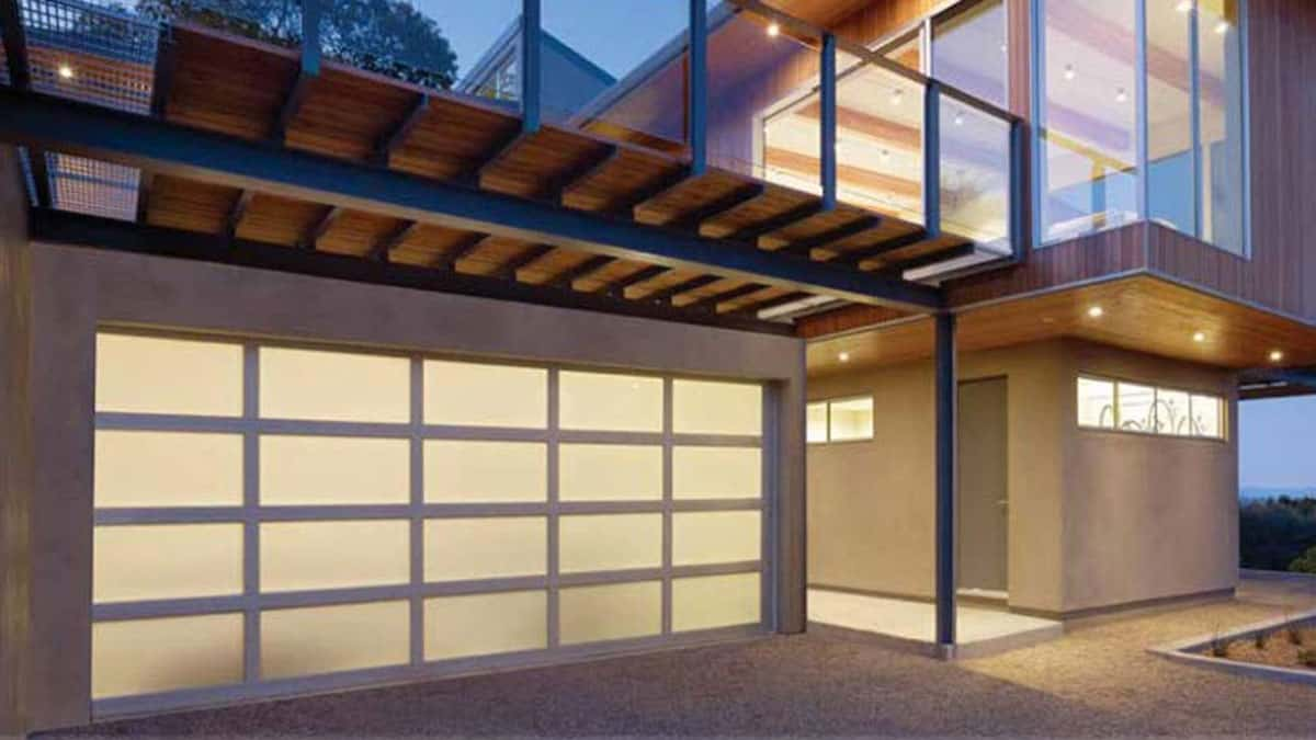 4 Ways to Make the Most Out of Your Garage | Overhead Door Tampa Bay