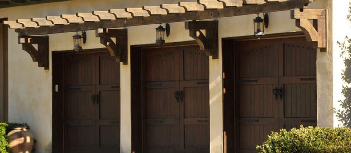 signature-carriage-wood-door-MAIN-wide
